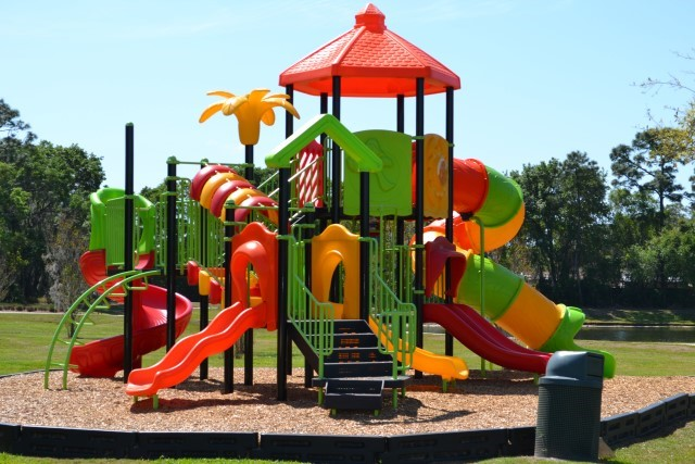Lake Berkley outdoor play area