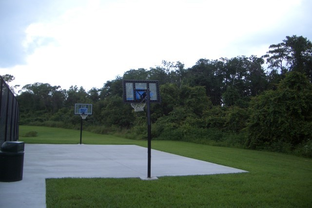 Lake Berkley basketball court
